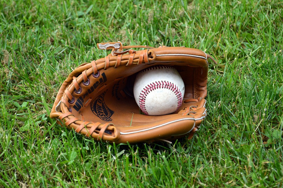 baseball-1425124_960_720